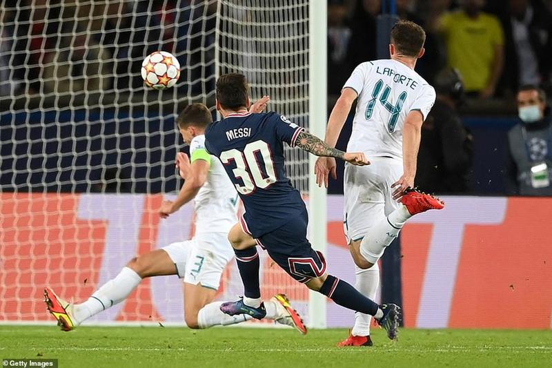 Ronaldo - Messi tỏa sáng, đau lòng Real - Barca thua tan tác - ảnh 2