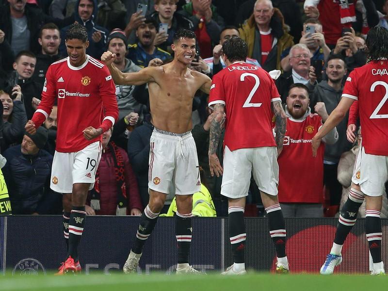 Ronaldo đáp trả những lời chỉ trích Man United - ảnh 2