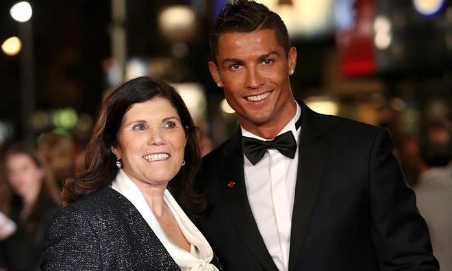 Mẹ Ronaldo không muốn con trai kết hôn vì sợ bị 'đào mỏ' - ảnh 3