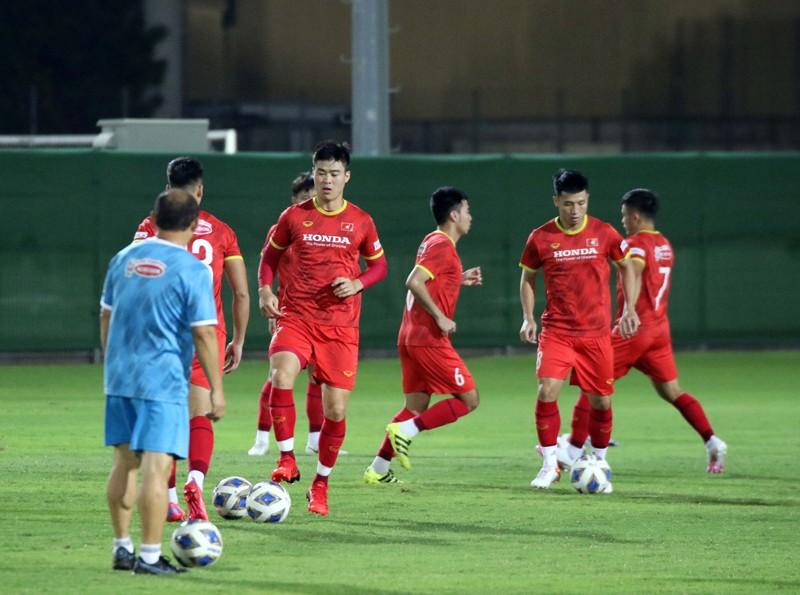 Ông Park rút gọn 23 tuyển thủ, soi kỹ tuyển Trung Quốc - ảnh 3