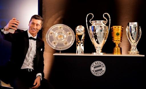 FIFA chọn 5 cầu thủ hay nhất năm không khác Quả bóng vàng - ảnh 5