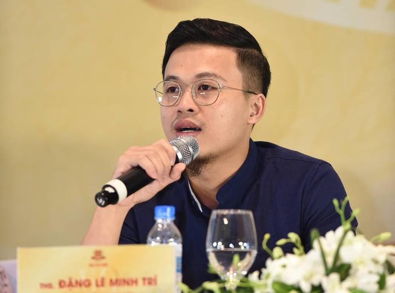 Ca sĩ Tùng Dương: Khán giả mải ăn uống, tôi rất ngại hát - ảnh 2