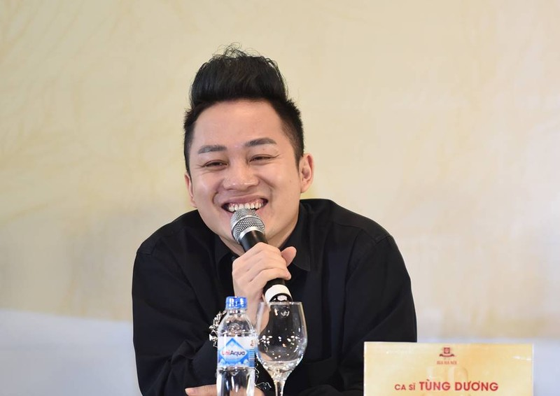 Ca sĩ Tùng Dương: Khán giả mải ăn uống, tôi rất ngại hát - ảnh 4