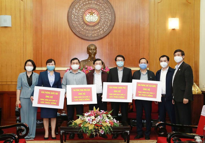 4 Văn phòng Trung ương ủng hộ chống COVID-19 gần 1,2 tỉ đồng - ảnh 1