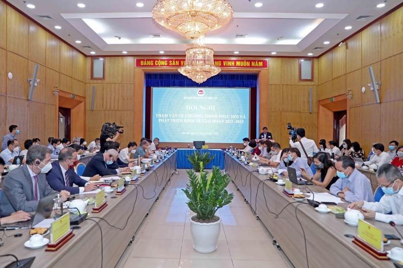 Bộ trưởng Nguyễn Chí Dũng: Độ phủ vaccine khả quan là điều kiện tốt để mở cửa - ảnh 2