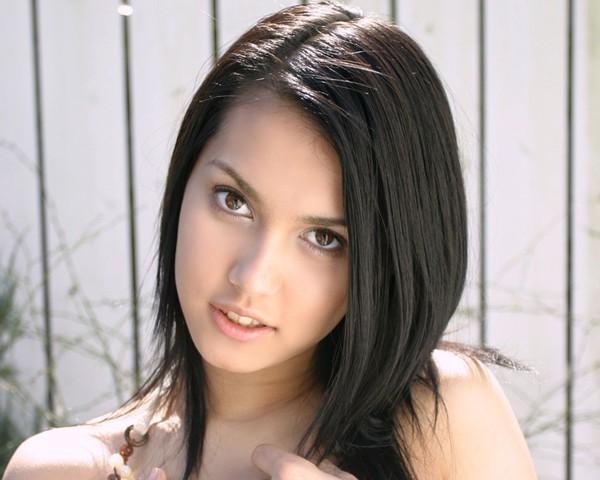 Maria Ozawa già nua, cứng đờ với khuôn mặt căng bóng như búp bê 7