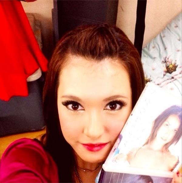 Maria Ozawa già nua, cứng đờ với khuôn mặt căng bóng như búp bê 5