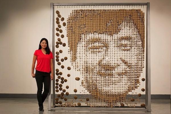 Ngỡ ngàng với chân dung Thành Long được làm từ 64.000 chiếc đũa - ảnh 1