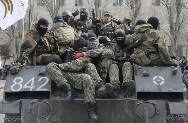 Đọ súng đẫm máu tại miền Đông Ukraine làm 5 người chết - ảnh 1