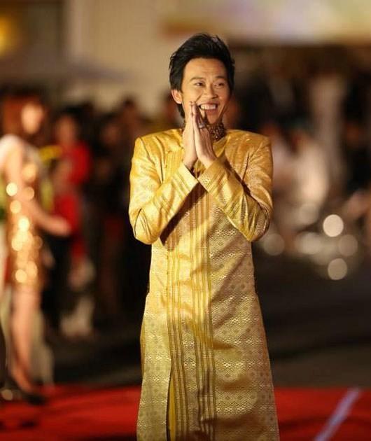 Hoài Linh: Buồn vì nhiều nghệ sĩ dèm pha, bôi bác Cao Hữu Thiên - ảnh 1