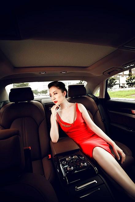 """Linh Nga """"múa"""" trong xe sang nhất của Audi tại Việt Nam - ảnh 10"""