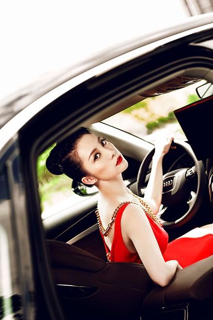 """Linh Nga """"múa"""" trong xe sang nhất của Audi tại Việt Nam - ảnh 12"""