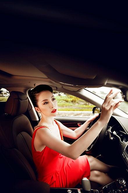 """Linh Nga """"múa"""" trong xe sang nhất của Audi tại Việt Nam - ảnh 2"""