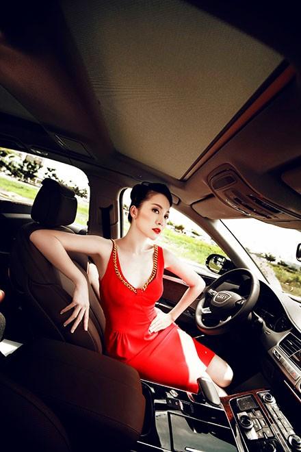 """Linh Nga """"múa"""" trong xe sang nhất của Audi tại Việt Nam - ảnh 3"""