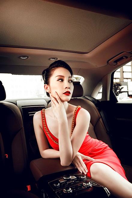 """Linh Nga """"múa"""" trong xe sang nhất của Audi tại Việt Nam - ảnh 9"""
