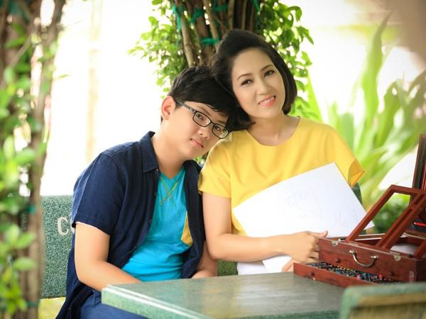 Ca sĩ Thanh Thúy hạnh phúc với cuộc hôn nhân thứ hai - ảnh 2