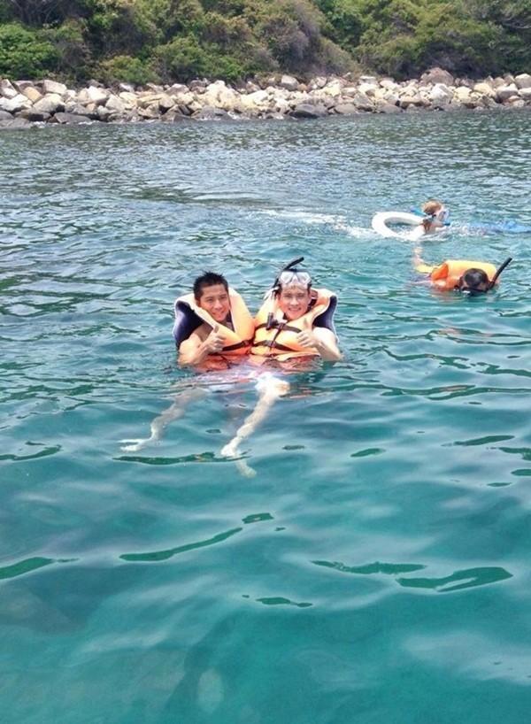 Công Vinh bất ngờ khoe ảnh con gái trong chuyến du lịch biển - ảnh 5