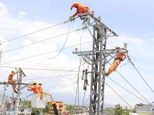 Thủ tướng: Biên chế trong ngành điện quá nhiều  - ảnh 1