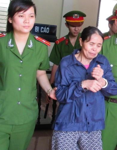 Giảm án cho người vợ giết chồng vì hơn 10 năm sống trong địa ngục - ảnh 2