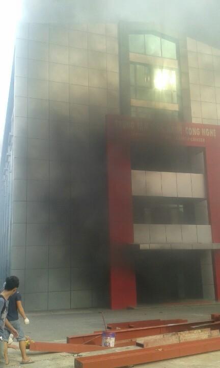 Đồng Nai: Sinh viên lại hoảng loạn vì trường học bùng cháy - ảnh 3