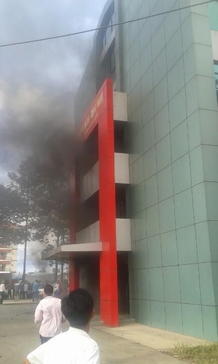 Đồng Nai: Sinh viên lại hoảng loạn vì trường học bùng cháy - ảnh 4