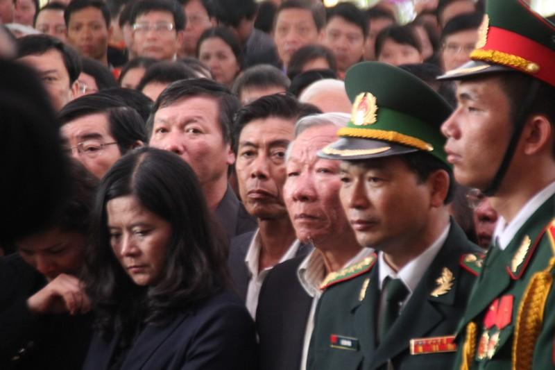 'Đồng chí Nguyễn Bá Thanh rất xứng đáng với tấm Huân chương của lòng dân' - ảnh 9