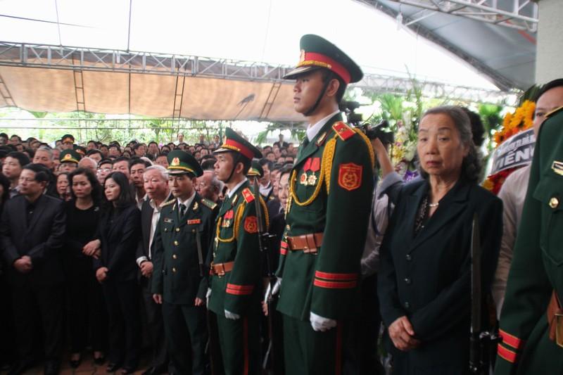 'Đồng chí Nguyễn Bá Thanh rất xứng đáng với tấm Huân chương của lòng dân' - ảnh 15
