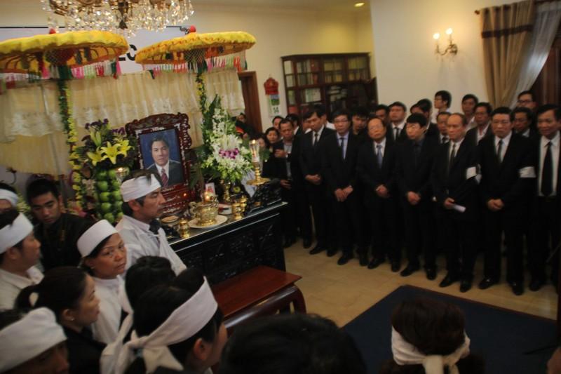 'Đồng chí Nguyễn Bá Thanh rất xứng đáng với tấm Huân chương của lòng dân' - ảnh 16