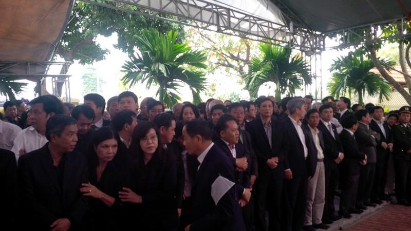 'Đồng chí Nguyễn Bá Thanh rất xứng đáng với tấm Huân chương của lòng dân' - ảnh 5