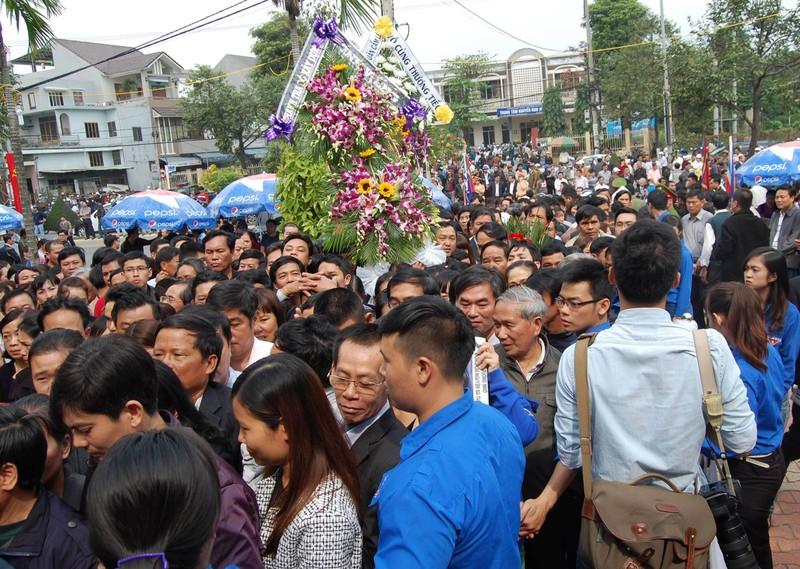 'Đồng chí Nguyễn Bá Thanh rất xứng đáng với tấm Huân chương của lòng dân' - ảnh 14