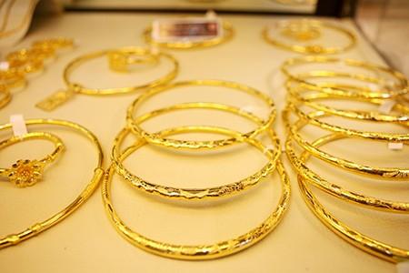 Tăng thuế nhập khẩu vàng trang sức lên 2% - ảnh 1