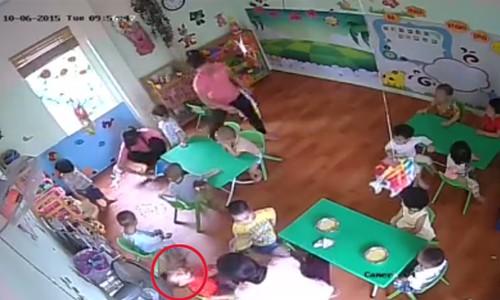 Đình chỉ giáo viên mầm non bạo hành trẻ vì ăn chậm - ảnh 1
