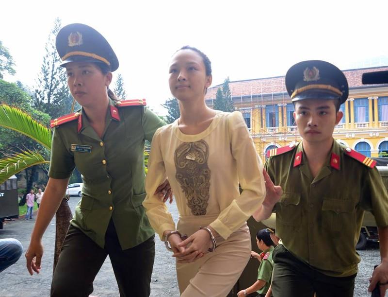 Hoa hậu Trương Hồ Phương Nga sáng nay