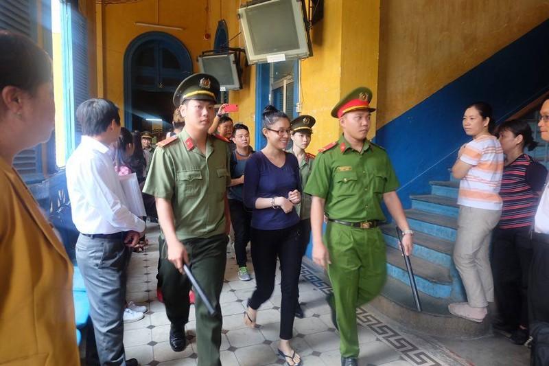 Phương Nga cương quyết im lặng, không trả lời luật sư - ảnh 18