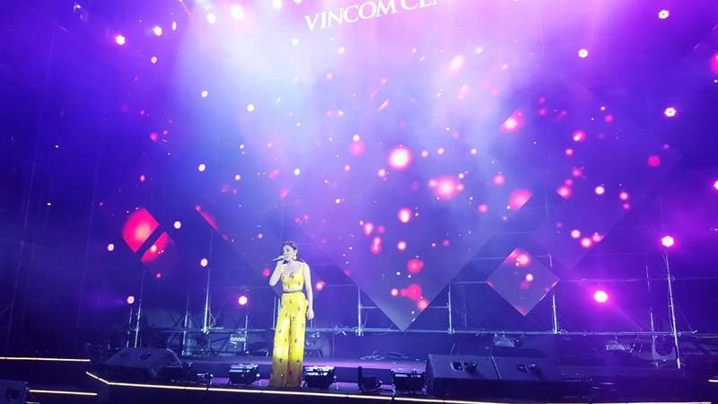 Hàng ngàn người tham gia khai trương Vincom Center Landmark 81 - ảnh 10