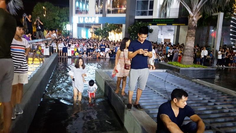Hàng ngàn người tham gia khai trương Vincom Center Landmark 81 - ảnh 2