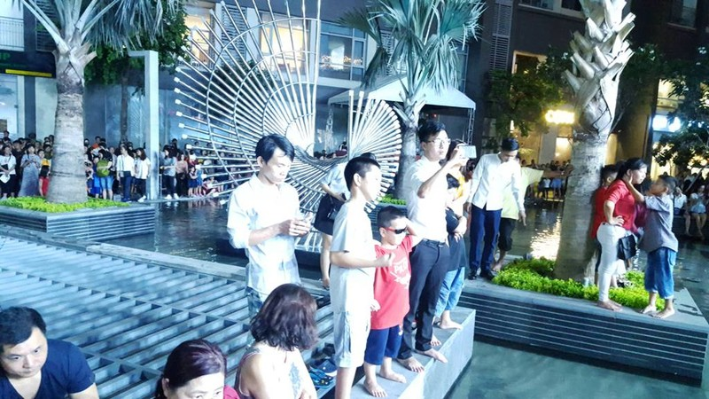 Hàng ngàn người tham gia khai trương Vincom Center Landmark 81 - ảnh 3