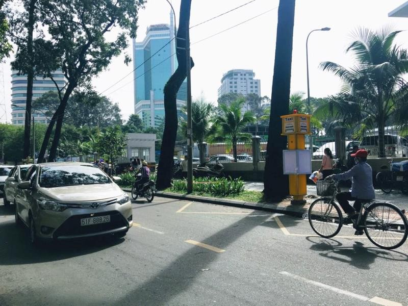 TP.HCM thí điểm 5 điểm đón taxi cố định - ảnh 1
