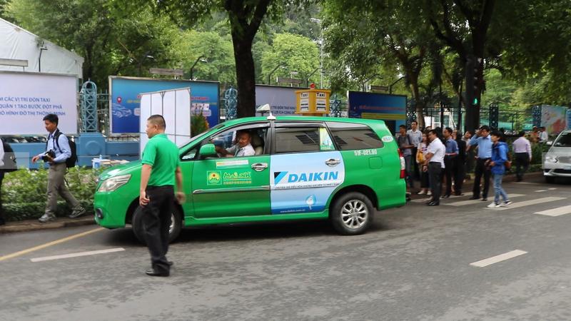TP.HCM khai trương 5 điểm đón taxi đầu tiên - ảnh 3