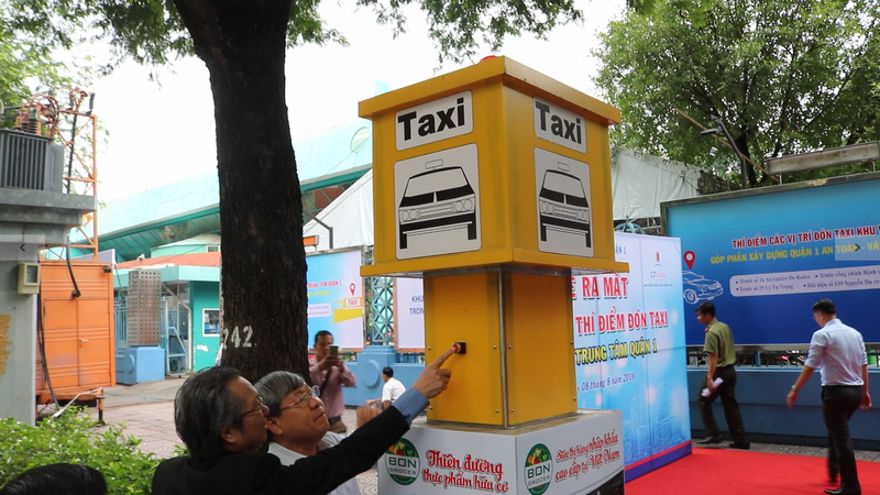 TP.HCM khai trương 5 điểm đón taxi đầu tiên - ảnh 4