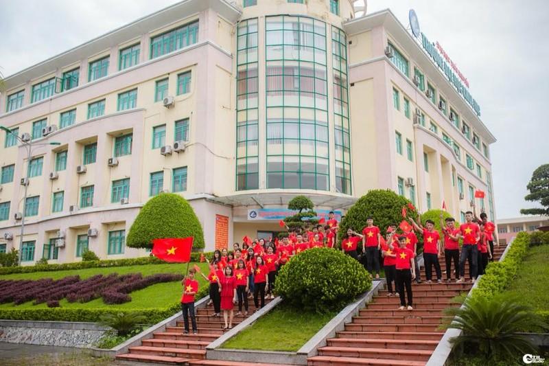 Người hâm mộ nghĩ đủ kiểu cổ vũ Olympic Việt Nam - ảnh 2