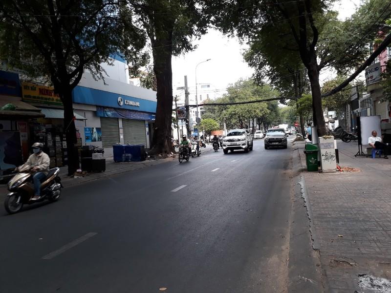 Đường Sài Gòn vắng hoe vào những ngày cận Tết - ảnh 2