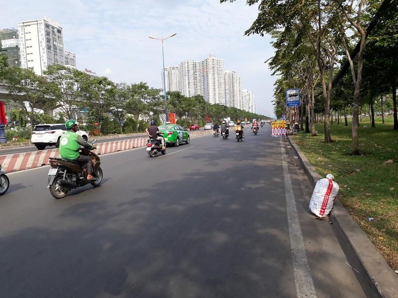 Đường Sài Gòn vắng hoe vào những ngày cận Tết - ảnh 3