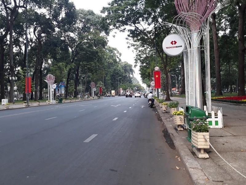 Đường Sài Gòn vắng hoe vào những ngày cận Tết - ảnh 6