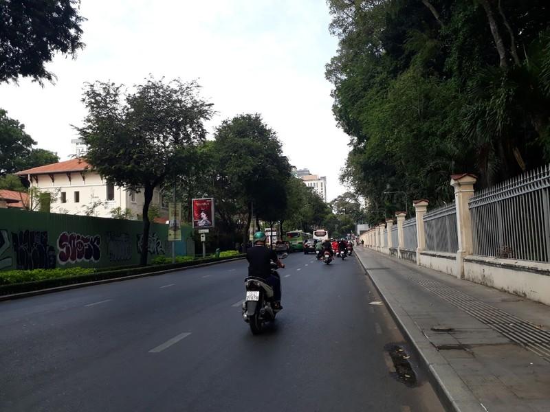 Đường Sài Gòn vắng hoe vào những ngày cận Tết - ảnh 8
