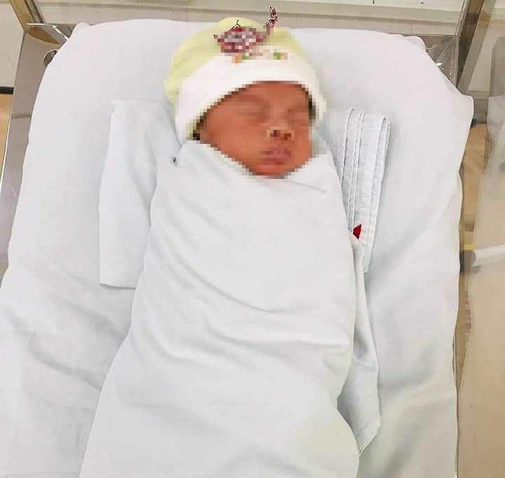 Một bé trai bị bỏ rơi ở Bệnh viện Thủ Đức - ảnh 1
