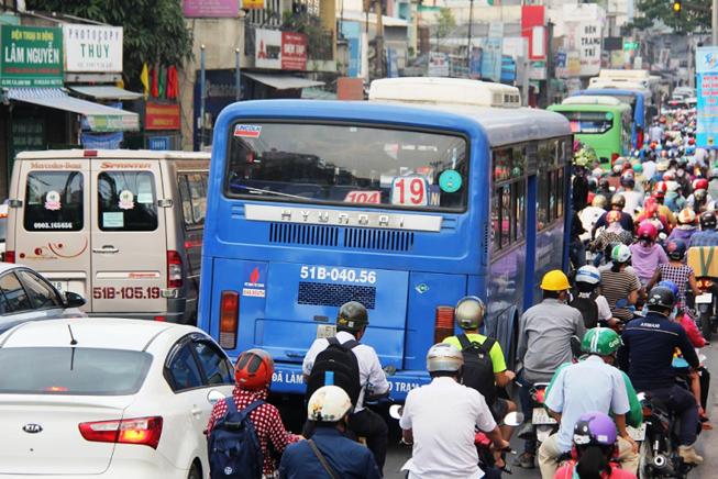 Đề xuất tăng vé xe buýt thêm 1.000 đồng - ảnh 1