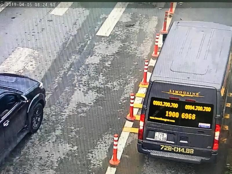 Hàng loạt ô tô tràn vào làn xe máy trên cao tốc  - ảnh 2