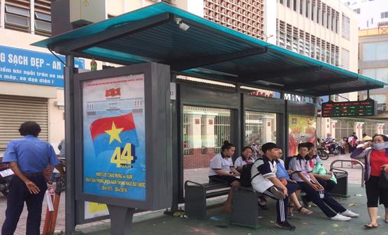 Khánh thành nhà chờ xe buýt 700 triệu đồng  - ảnh 1