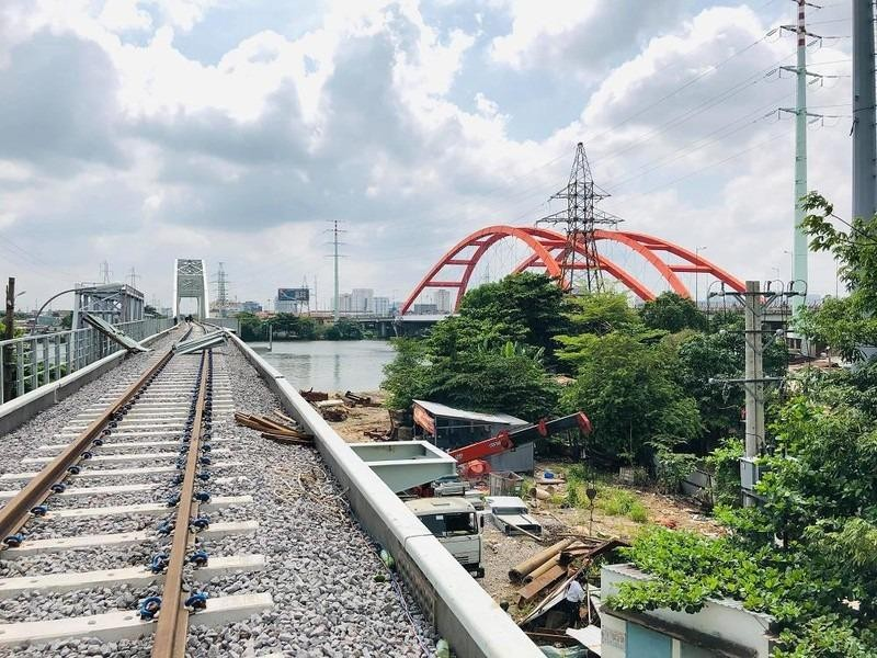 Thông tuyến đường sắt mới qua cầu Bình Lợi ngày 14-9 - ảnh 1